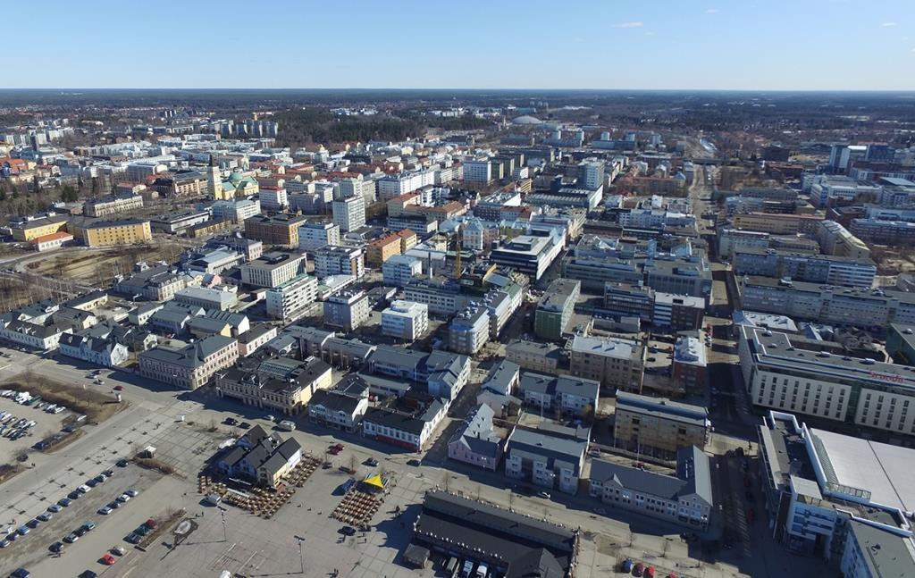 Ilmakuva Oulun keskustasta Torinrannan suunnasta